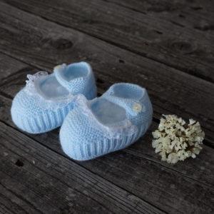 Patuco sandalia de punto celeste con puntilla