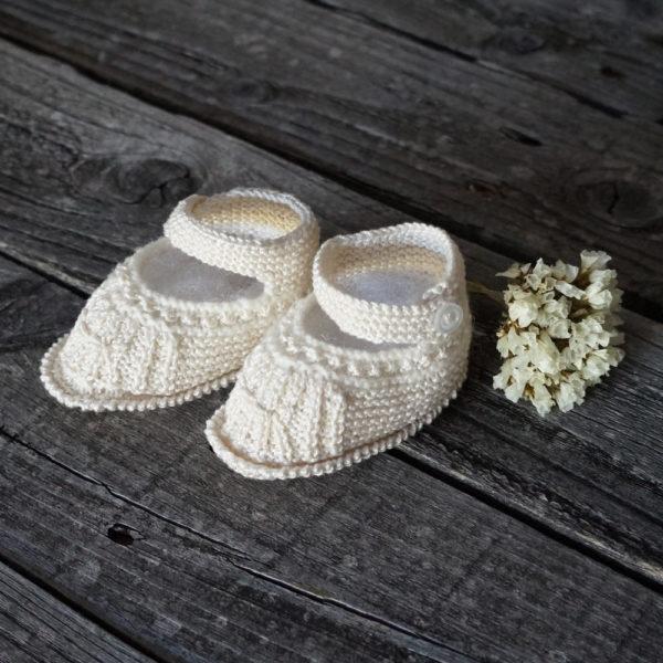 Patuco de lana marfil
