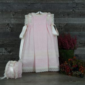 Vestido faldón rosa con capota a juego