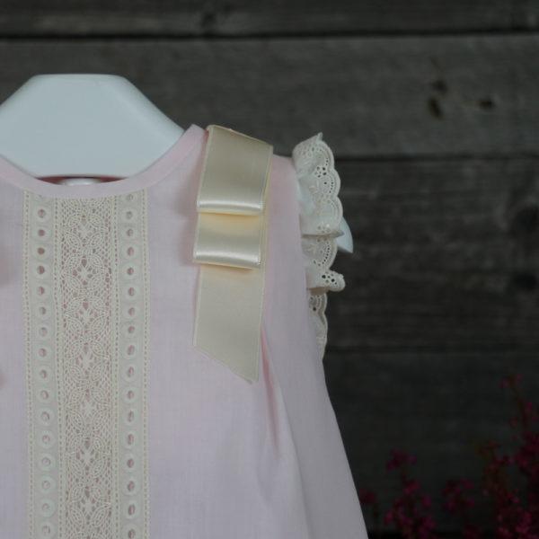 Vestido tipo faldón rosa y beige