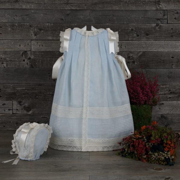 Vestido faldón celeste con capota