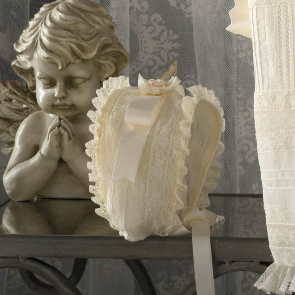 Faldón y capota de bautizo marfil